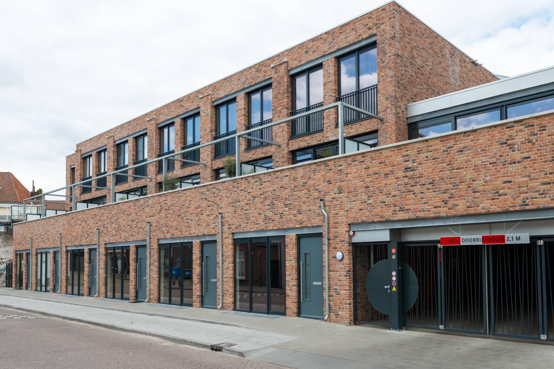 Nieuwbouw 18 Stadswoningen en 38 Appartementen Dok40 Eindhoven